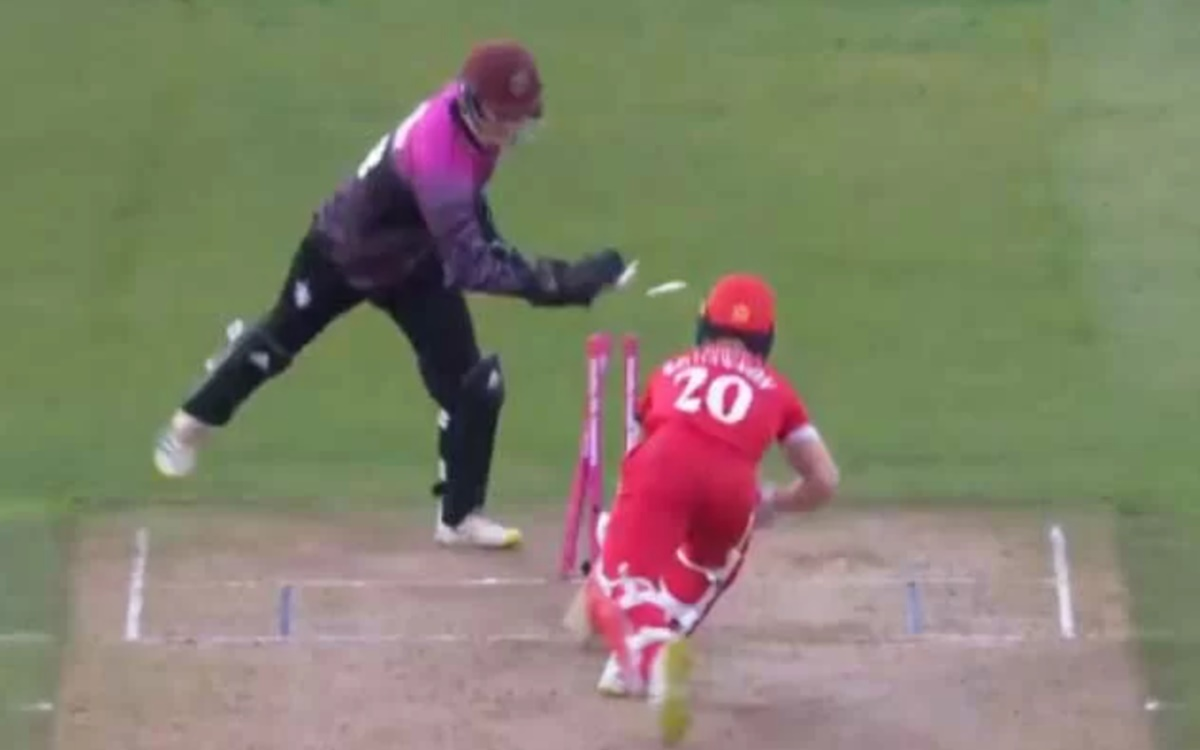 Cricket Image for T20 Blast 2021 Tom Banton Outstanding Effort Behind The Wickets Reminds Ms Dhoni