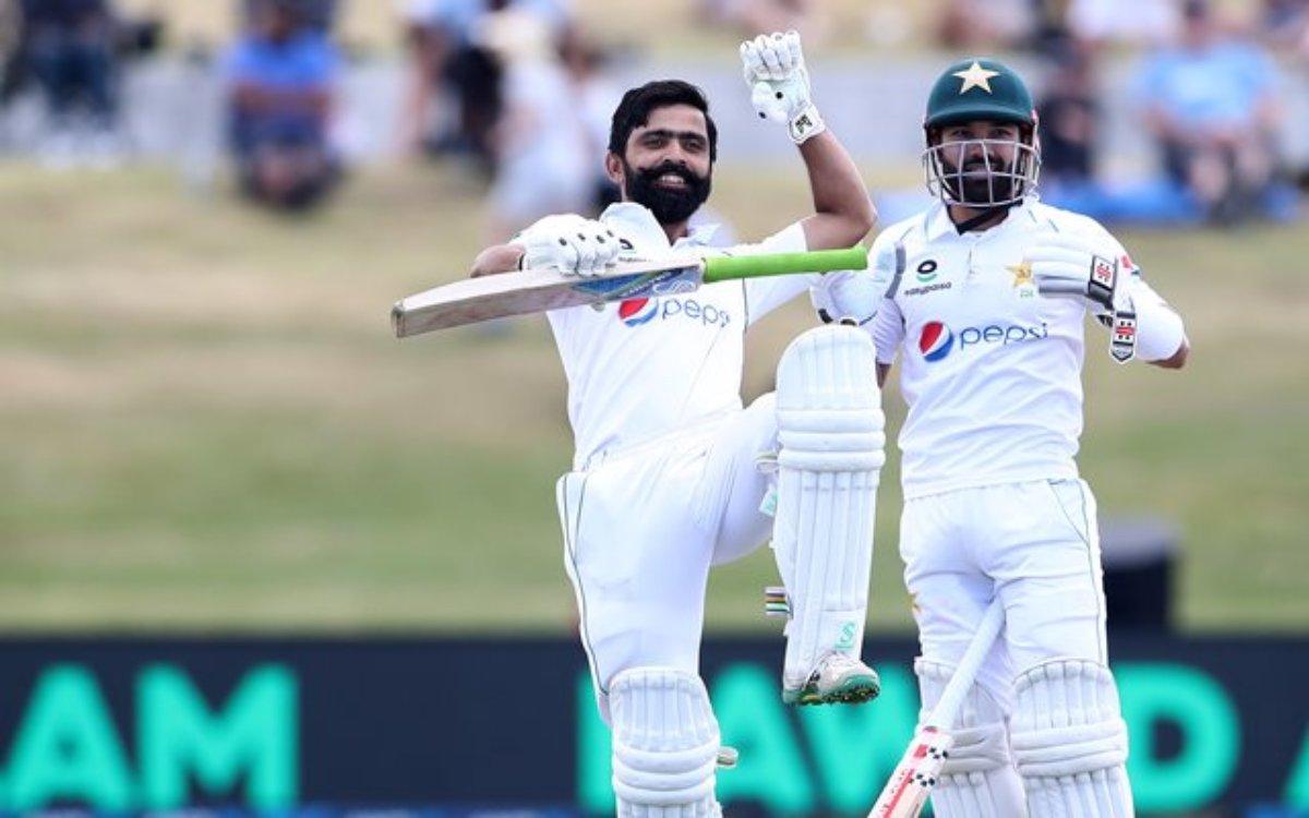 Cricket Image for 12 सालों में खेले सिर्फ 13 टेस्ट, 10 साल बाद की वापसी और ठोक दिए 10 मैचों में चार