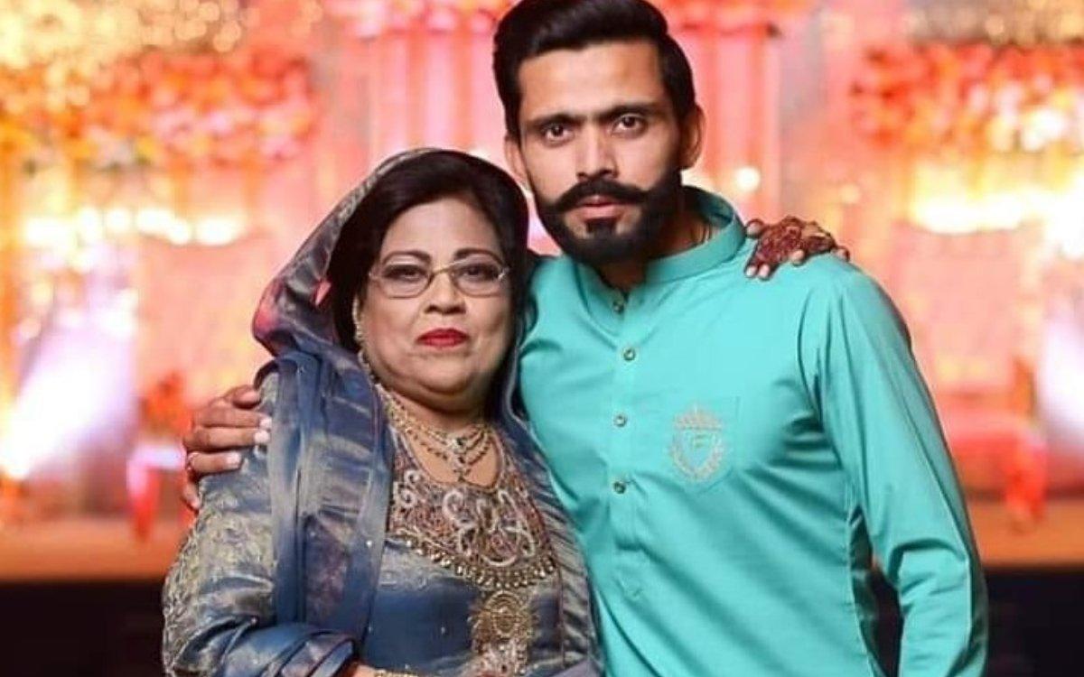 Cricket Image for VIDEO : 'मेरी अम्मी ने पहले ही कह दिया था, जाओ बेटा आज तुम सेंचुरी बनाओगे'