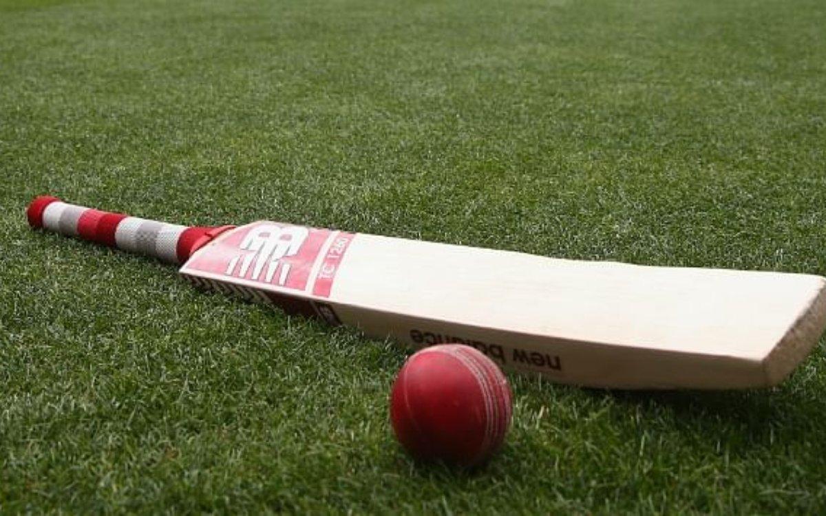 Cricket Image for 24 रन पर ऑलआउट हो गई टीम, सिर्फ16 गेंदों में ही खत्म हो गया मैच
