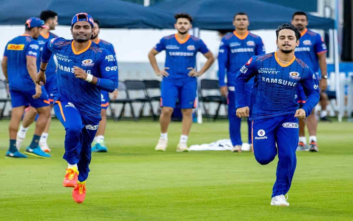 Cricket Image for  IPL 2021: क्वारंटीन पूरा कर मैदान पर उतरे मुंबई इंडियंस के खिलाड़ी, ट्रेनिंग सेशन