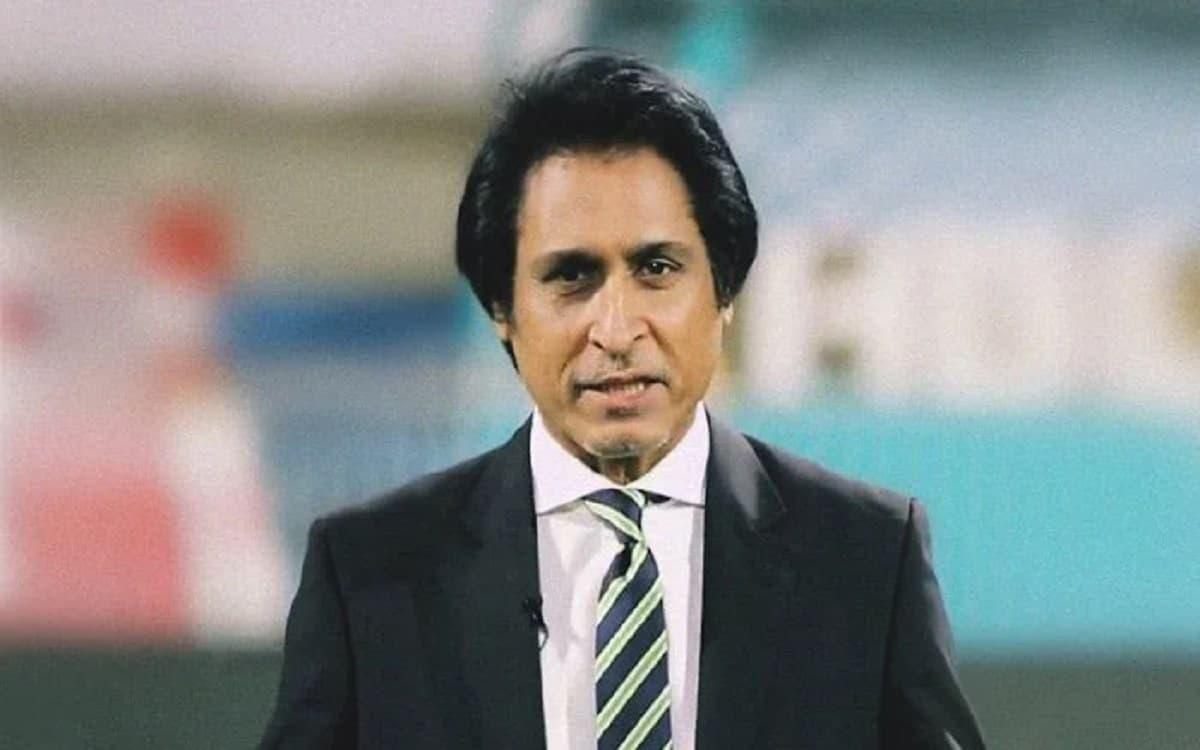 Cricket Image for  रमीज राजा है PCB चैयरमैन के लिए इमरान खान की पहली पसंद, पूर्व क्रिकेटर ने किया खु