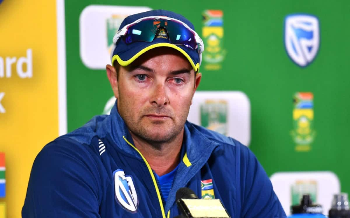 south africa's coach Mark Boucher apologizes for racial behavior in past