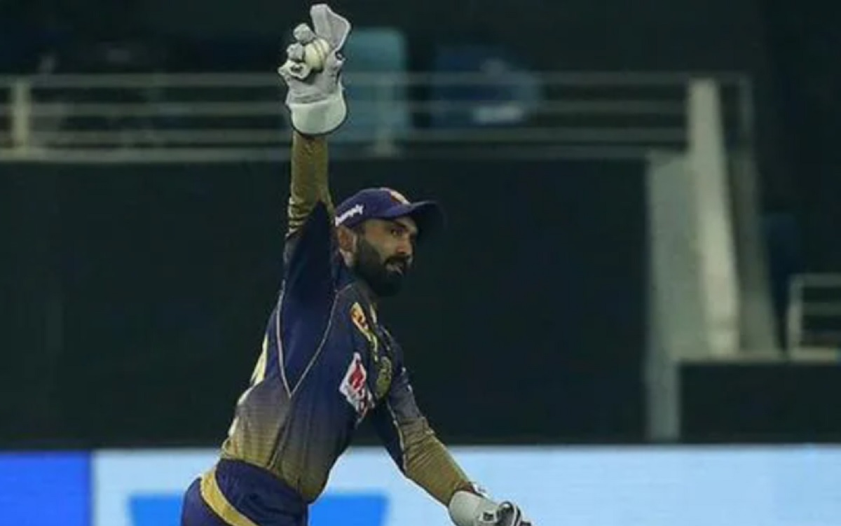 Dinesh Karthik now has 114 catches in IPL, joint-most for any wicketkeeper