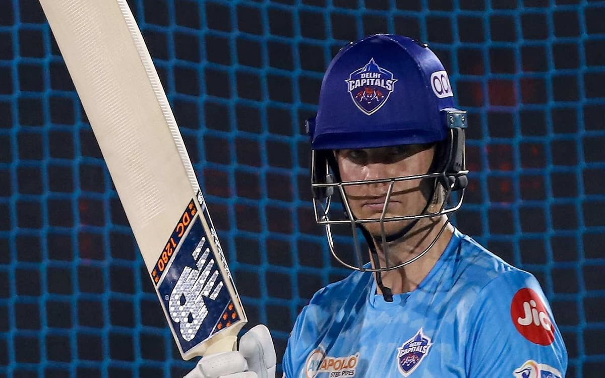 If Steve Smith reacts well to Lalit Yadav's inclusion in dressing room, youngsters will get a great