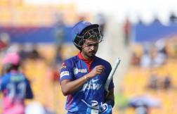 Delhi Capitals set 155 runs target for rajasthan royals