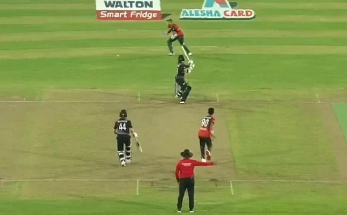 Watch Mustafizur Rahman's slower ball goes for a beamer; Tom Latham collects a four through fine leg