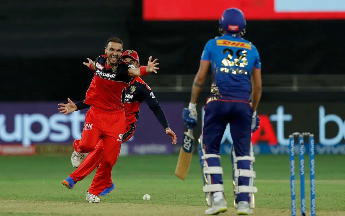 Cricket Image for IPL 2021: ਮੁੰਬਈ ਇੰਡੀਅਨਜ਼ ਲਈ ਡਰਾਉਣਾ ਸੁਪਨਾ ਸਾਬਤ ਹੋਈ ਹਰਸ਼ਲ ਪਟੇਲ ਦੀ ਹੈਟ੍ਰਿਕ, RCB ਨੇ 54