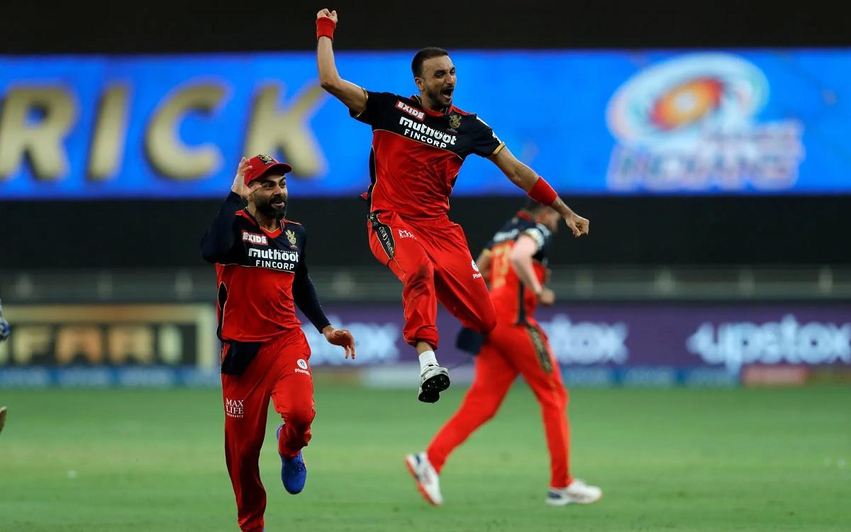 Cricket Image for Hattrick Hero Harshal Patel Helps Bangalore Beat Mumbai By 54 Runs