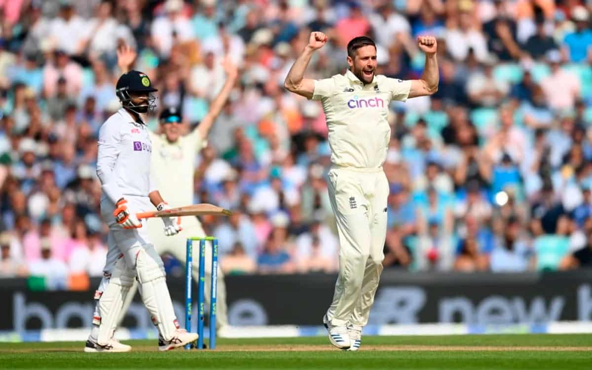 English bowlers dominated the Indian team at first session on oval as india scored 329 runs on loss of 6 wickets