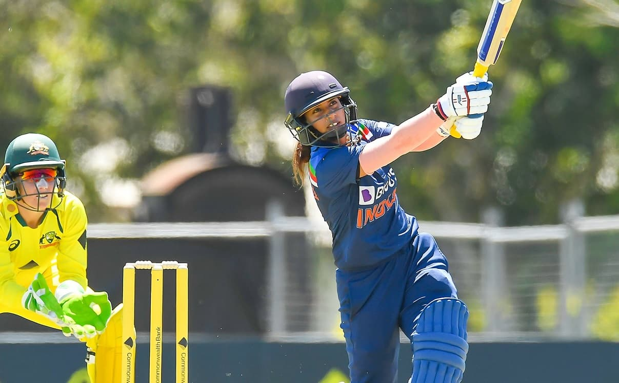 Mithali Raj first ever player to score 50+ runs in 5 consecutive ODI innings