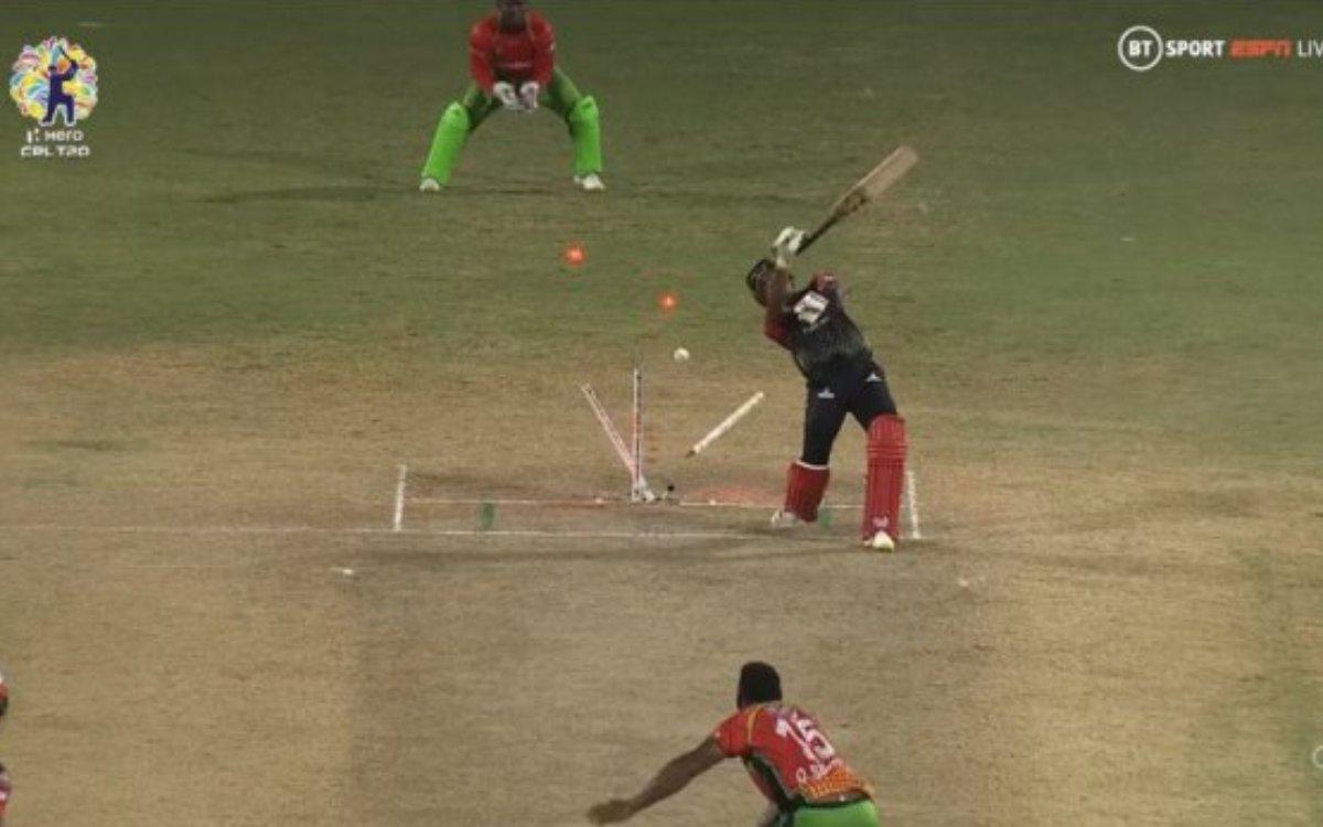 Cricket Image for VIDEO : नाचती हुई दिखी डीजे ब्रावो की स्टंप्स, स्मिथ ने क्लीन बोल्ड करके उड़ाए होश