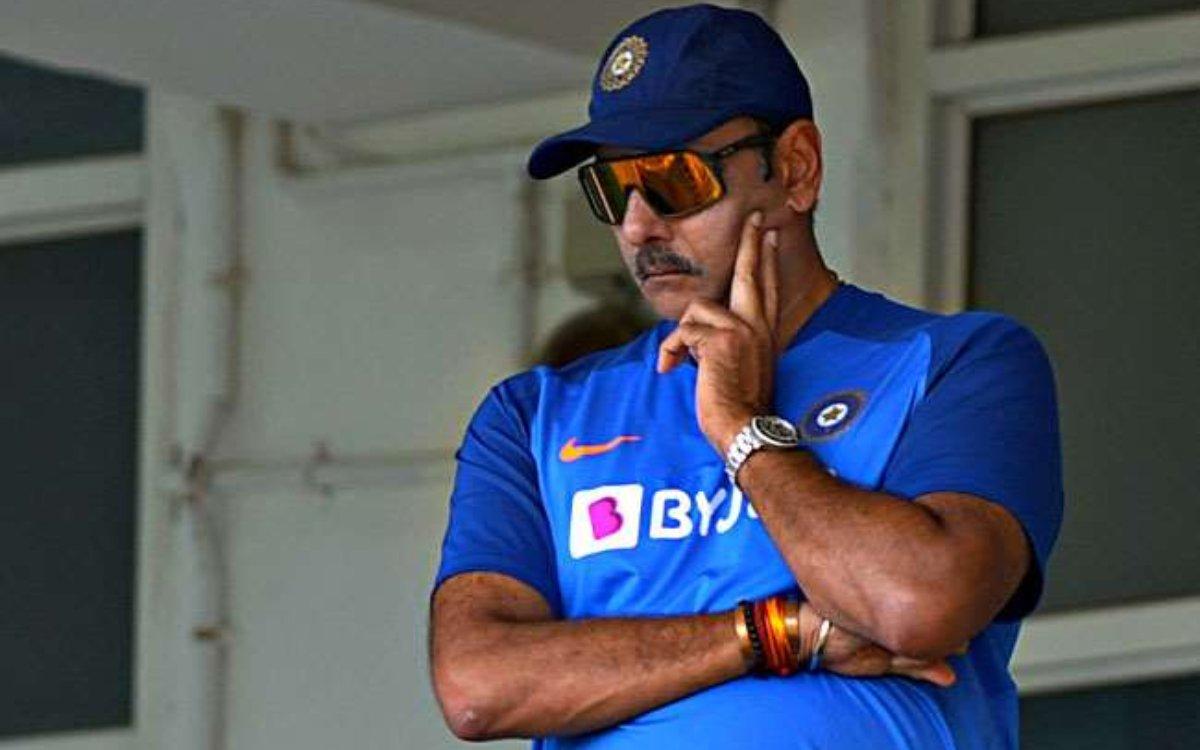 Cricket Image for रवि शास्त्री को हुआ कोरोना, हेड कोच समेत 4 सदस्यों को किया गया आइसोलेट