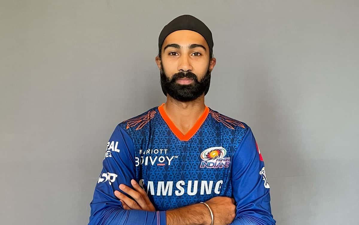 IPL 2021: मुंबई इंडियंस के खेमे से बाहर हुए अर्जुन तेंदुलकर, रिप्लेसमेंट के तौर पर सिमरजीत हुए शामिल