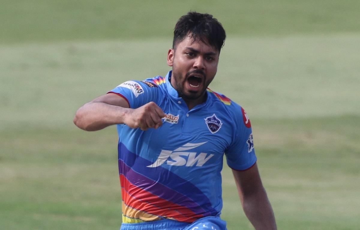 mumbai indians set 120 runs target for Delhi Capitals