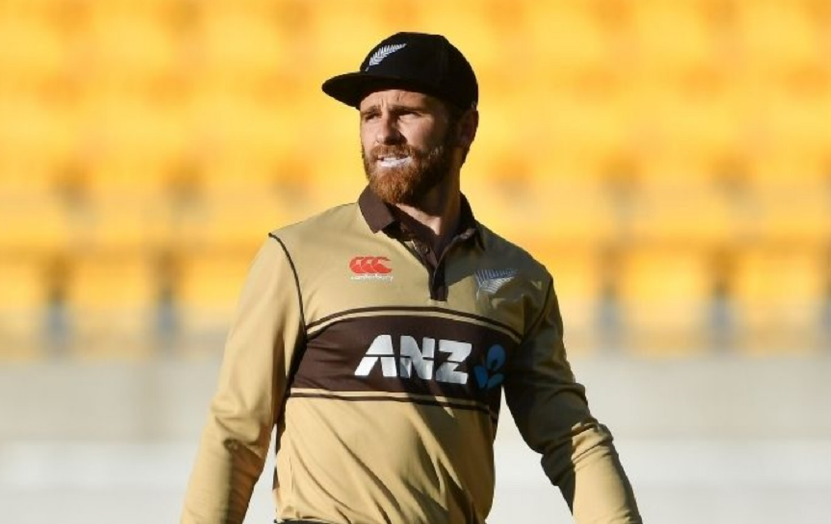 Kane Williamson has hamstring twinge, but coach says he'll be fine for Pakistan clash