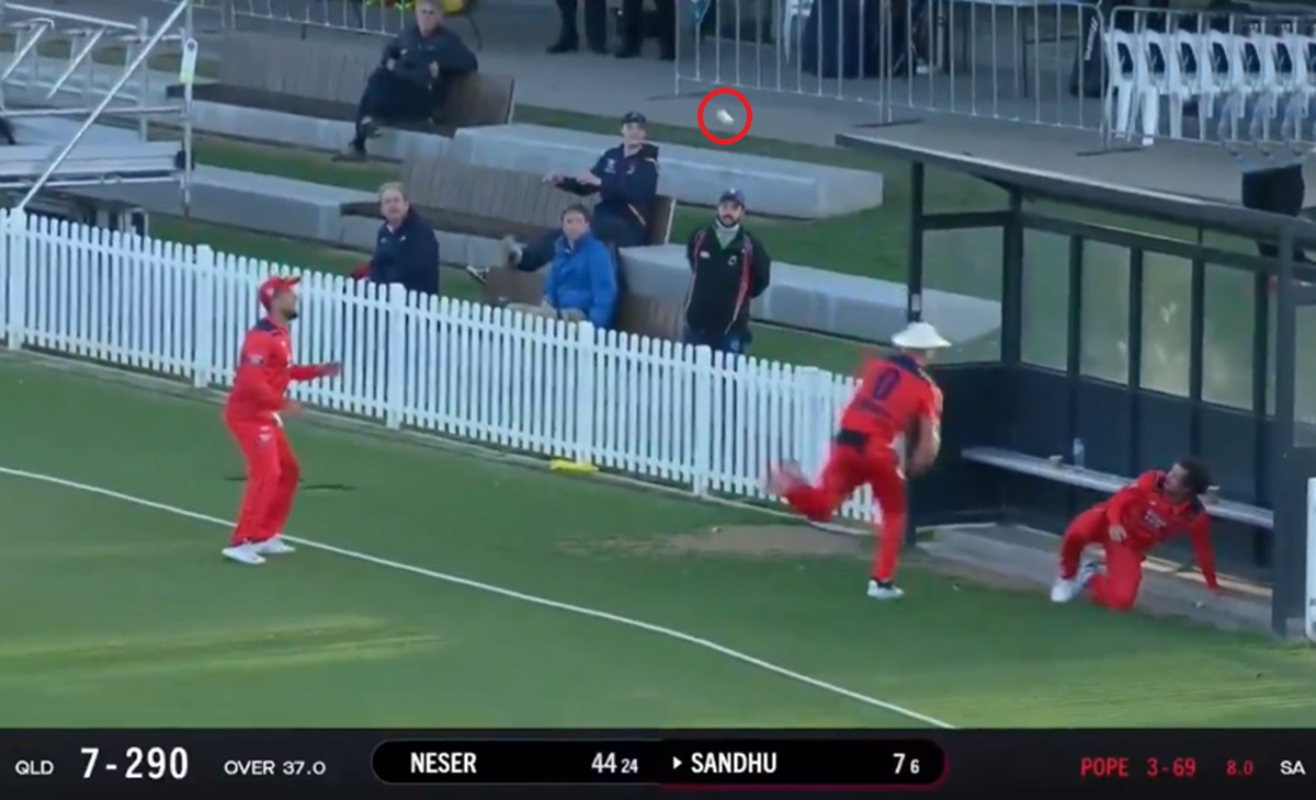 Cricket Image for Marsh Cup Three Fielder Tried To Catch Near The Ropes Watch Video