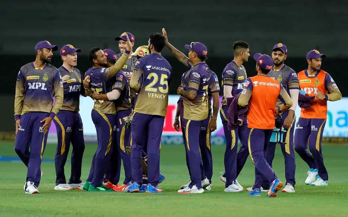 Sunrisers Hyderabad batsmen could not stand in front of KKR bowling attack gave a target of just 116 runs