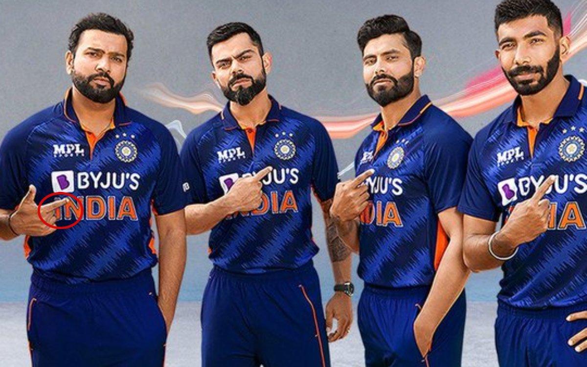 Cricket Image for VIDEO : रोहित ने फिर जीता दिल, नई जर्सी पहनकर भी दिखाई देशभक्ति