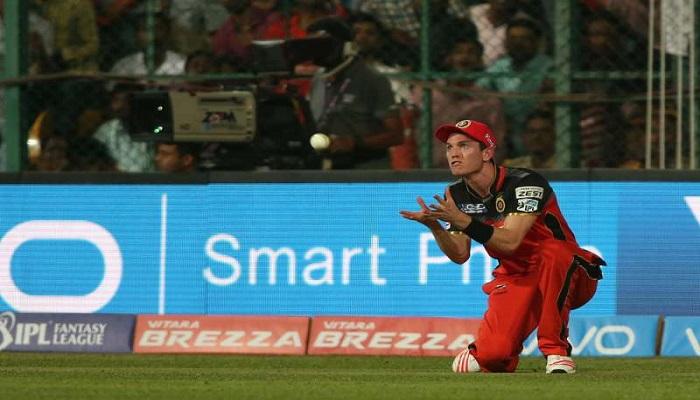 हेमस्ट्रिंग चोट के कारण एडम मिल्ने आईपीएल 2016 से बाहर