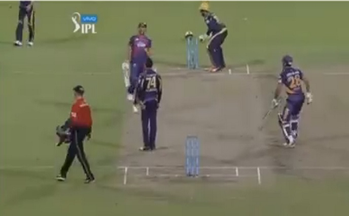 जब इरफान पठान को धोनी के लिए अपने विकेट की कुर्बानी देनी पड़ी