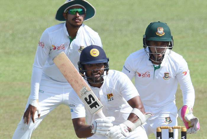 Dinesh Chandimal fights after early losses vs Bangladesh