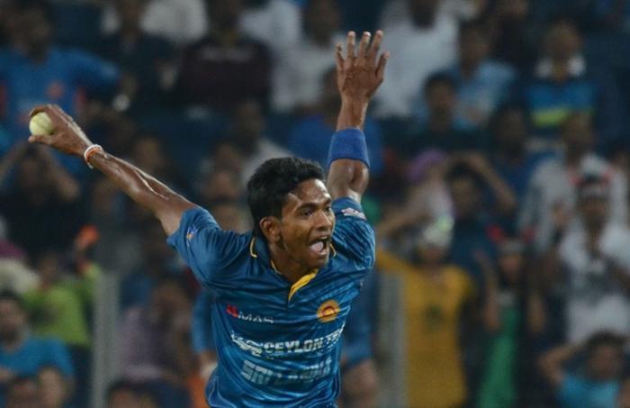 चोटिल दशमंथा चमीरा इंग्लैंड के खिलाफ टेस्ट सीरीज से बाहर