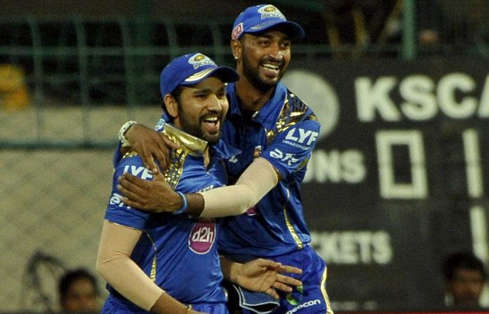 मुंबई ने दिल्ली को 80 रन से रौंदा, प्लेऑफ की रेस में बरकरार