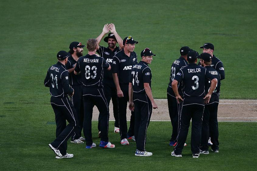 New Zealand beat Bangladesh by 4 wickets